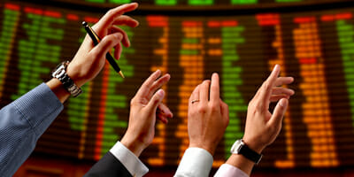 stock-market-hands-WEB