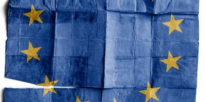 europe-paper-flag-WEB